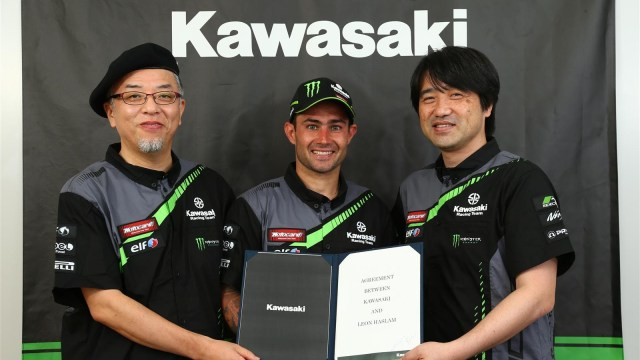 Leon Haslam signs with KRT for 2019 WSBK season