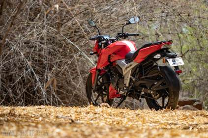 TVS Apache RTR 160 4V HD wallpapers