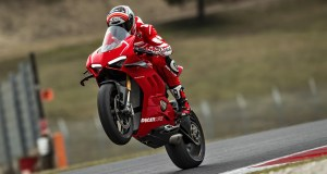 Ducati Panigale V4 R India delivery to being in August