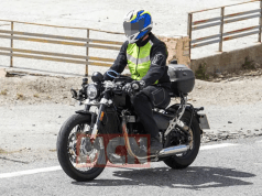 Upcoming Triumph Bonneville Bobber-spy shot