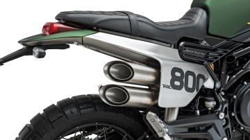 2020 Benelli Leoncino 800 Trail exhaust silencer and seat
