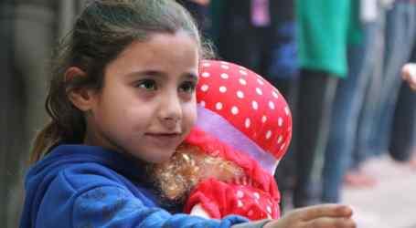 حكاية طفلة سورية ناجية.. لكنها لازالت تحت الأنقاض