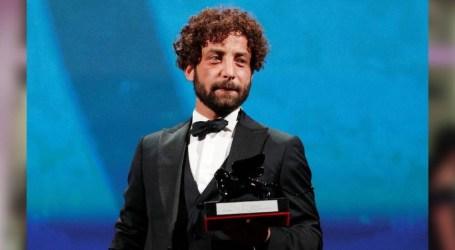 يحيى مهايني ممثل سوري ينال جائزة ضمن مهرجان فينسيا الدولي