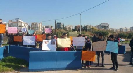 لاجئون سوريون في لبنان ينظمون اعتصاما احتجاجا على سوء الأوضاع