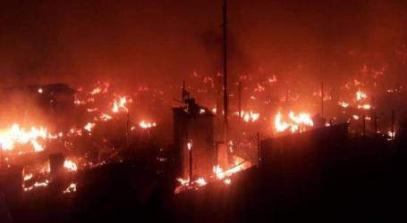 لبنانيون يحرقون مخيما للسوريين شمال لبنان ويوقعون جرحى ويشردون العشرات