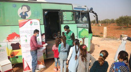 """""""الحافلات المتنقلة"""".. مشروع تعليمي إسعافي بإدلب لمساعدة الأطفال المنقطعين عن الدراسة (صور)"""