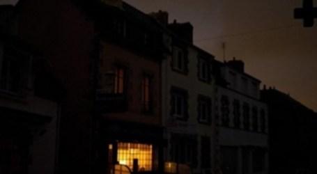 شبح انقطاع الكهرباء يخيم على ليالي السوريين في رمضان