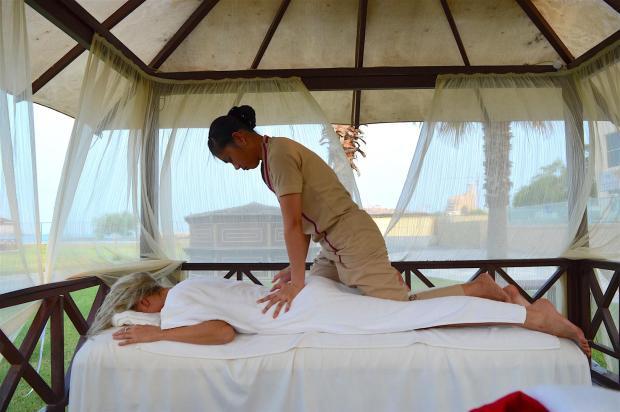 radisson-blu-resort-fujeira-uae-dibba-best-travel-blogger-iamella-com_0266