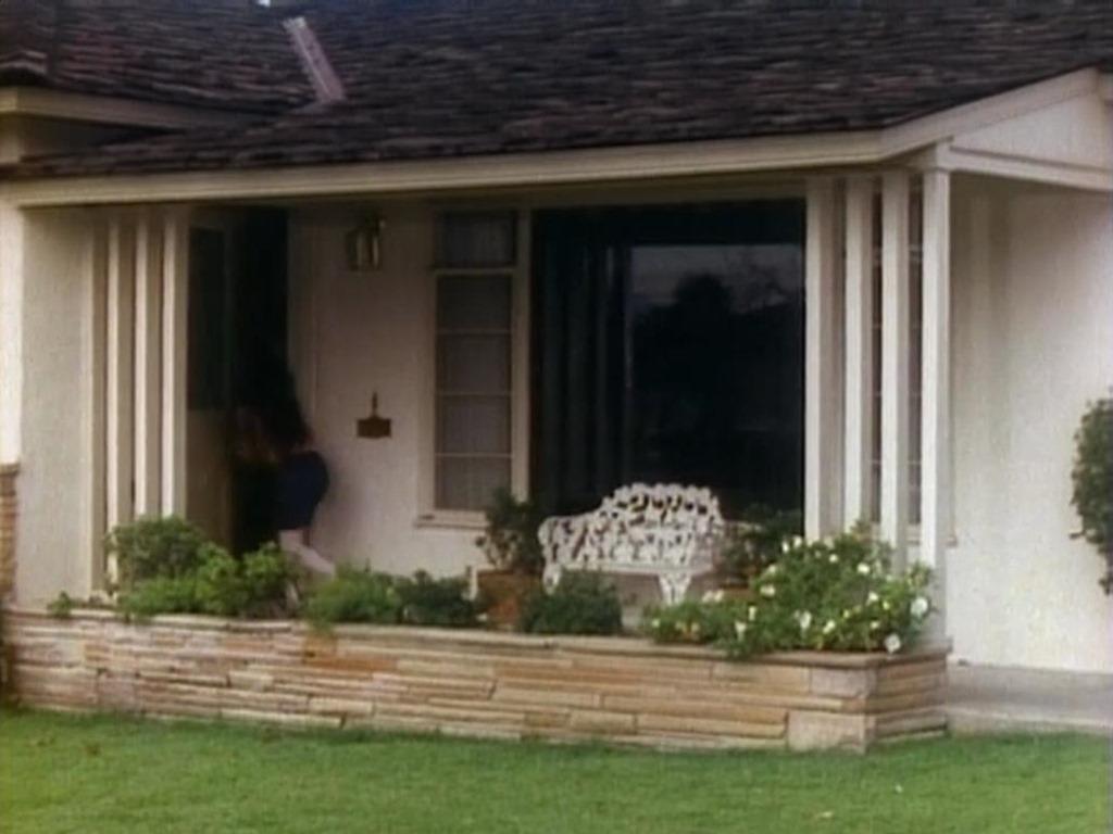 "Winnie Cooper's House from ""The Wonder Years"" - IAMNOTASTALKER"