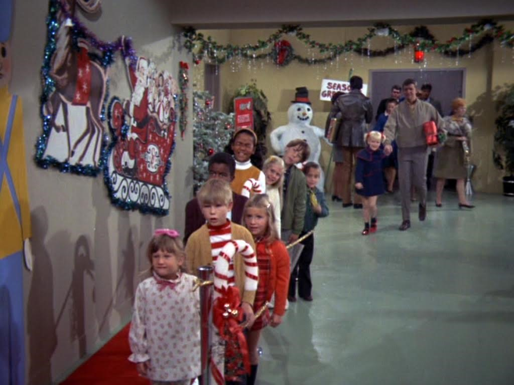 Brady Bunch Christmas.Downtown Christmas Shopping District From The Brady Bunch