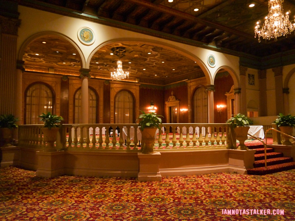 The Millennium Biltmore Hotels Gold Room From Beverly