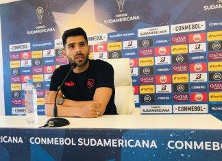 Silvio Romero en conferencia de prensa