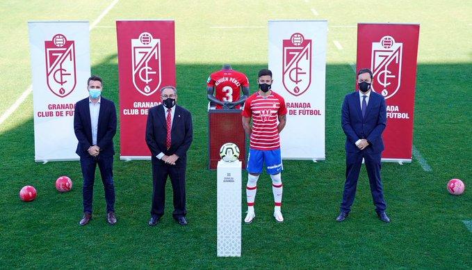 Nehuén Pérez presentado en Granada