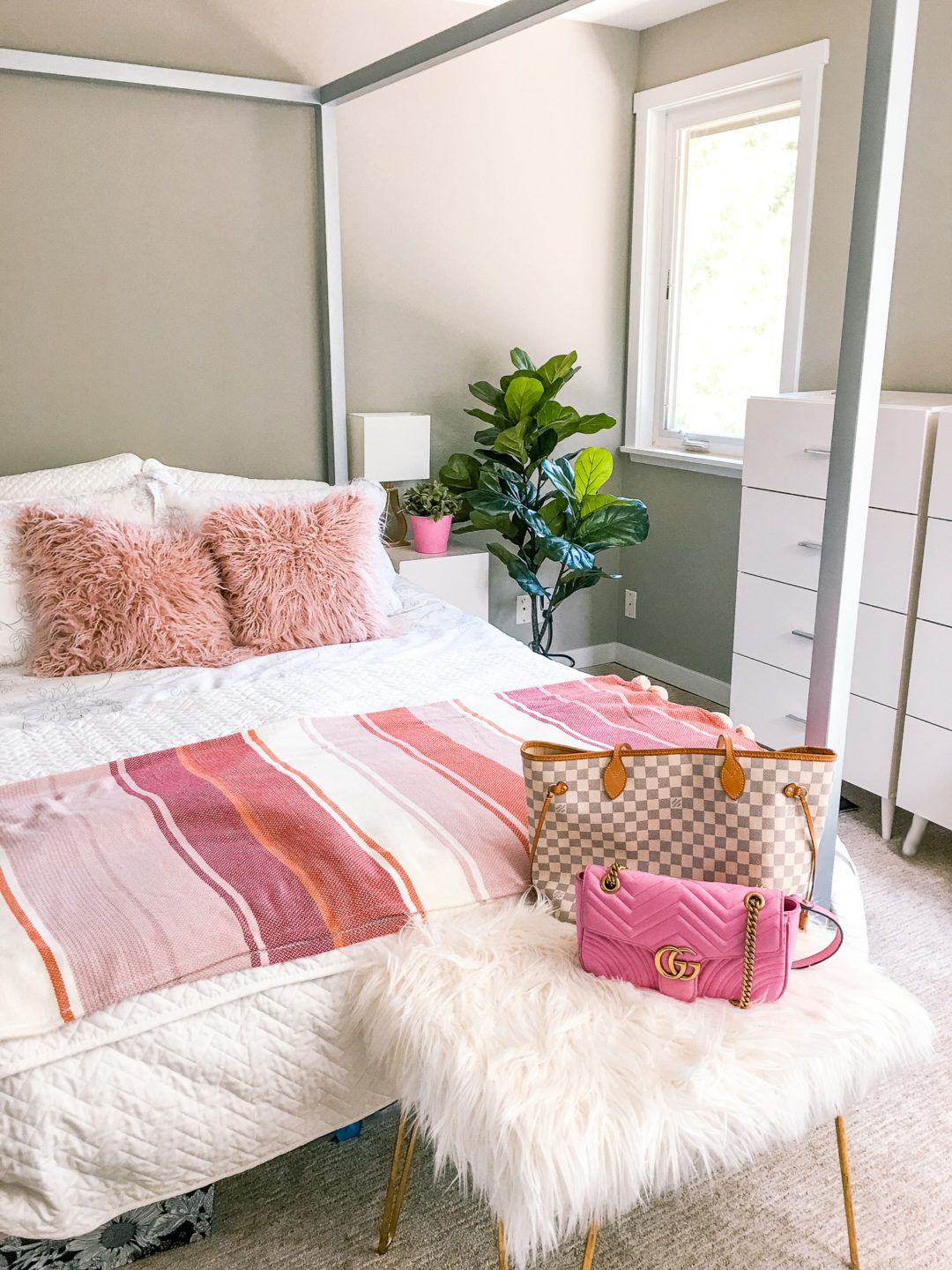 Chic Modern Blush Pink Bedroom Decor