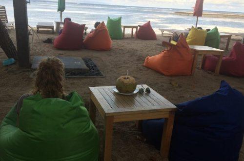 Gekleurde zitzakken op Bali