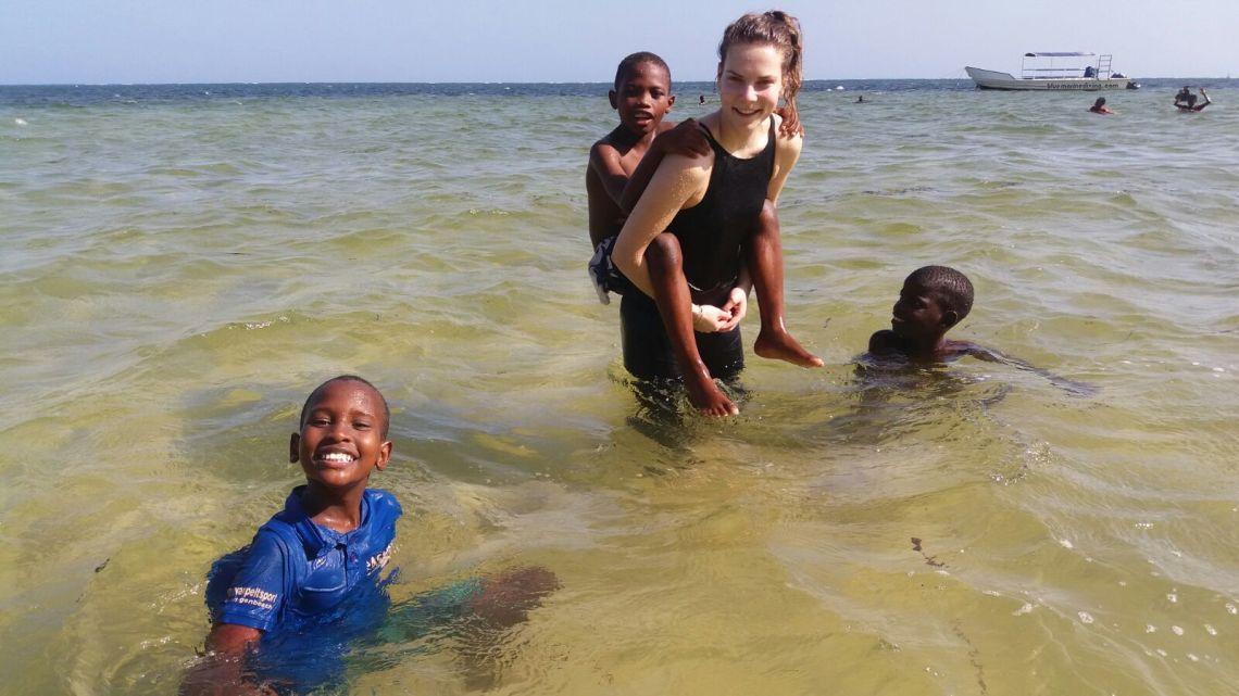 In de zee met de jongens