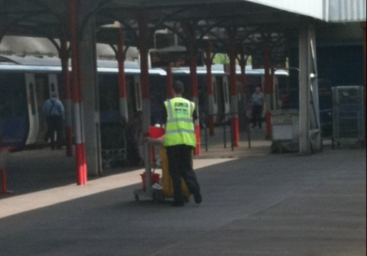 Clinical waste sack for railway litter collection
