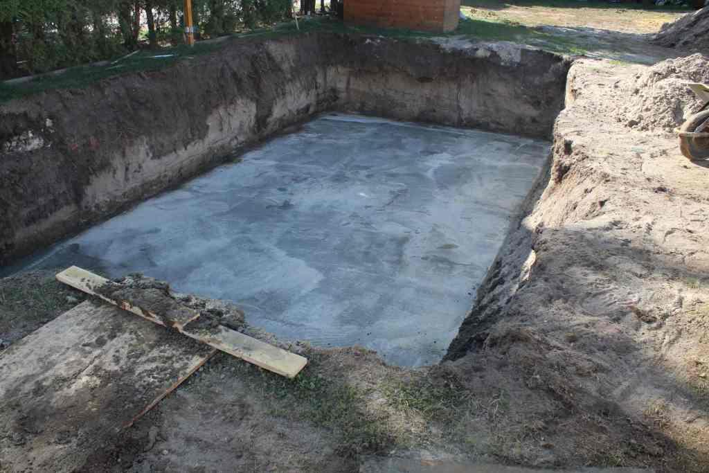 Bodenplatte Poolbau