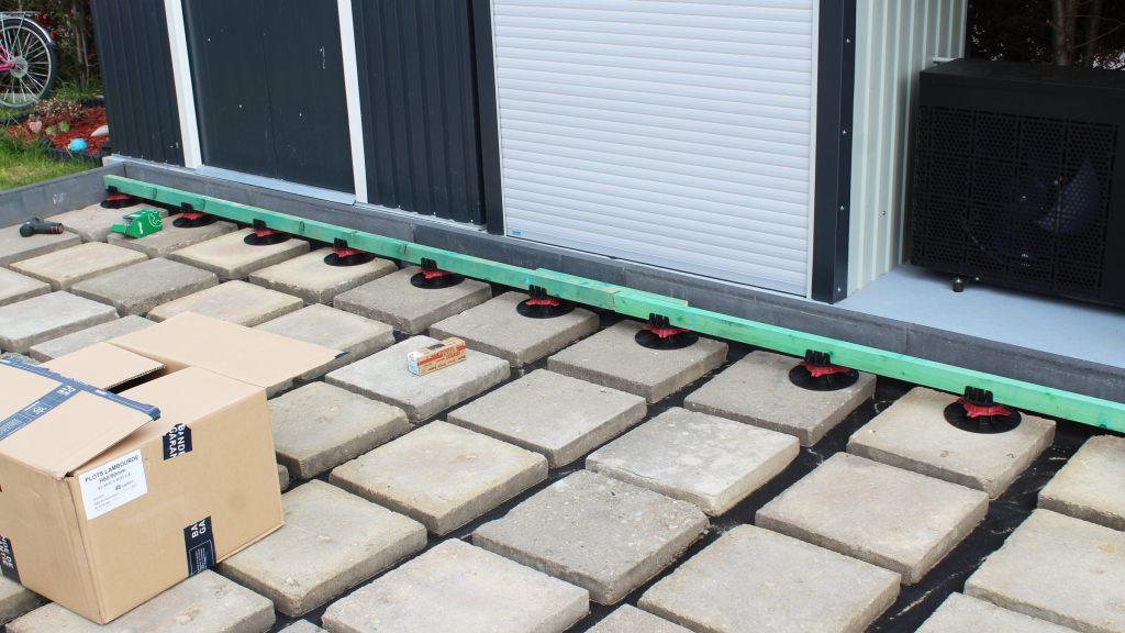 Terrasse selber bauen WPC Stelzlager