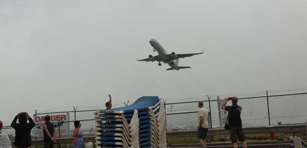 St-Marteen-maho-beach-takeoff-mar-16