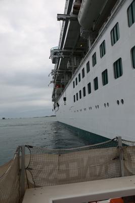 Emerald-Princess-april16-leaving-the-ship