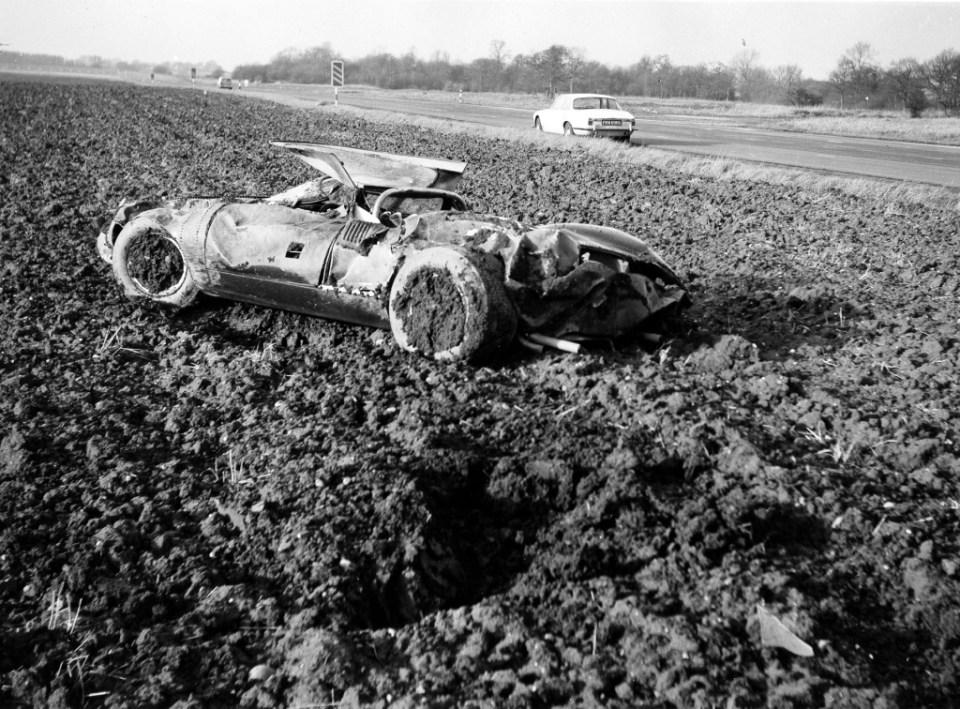 325 The original Jaguar XJ13 after the crash.