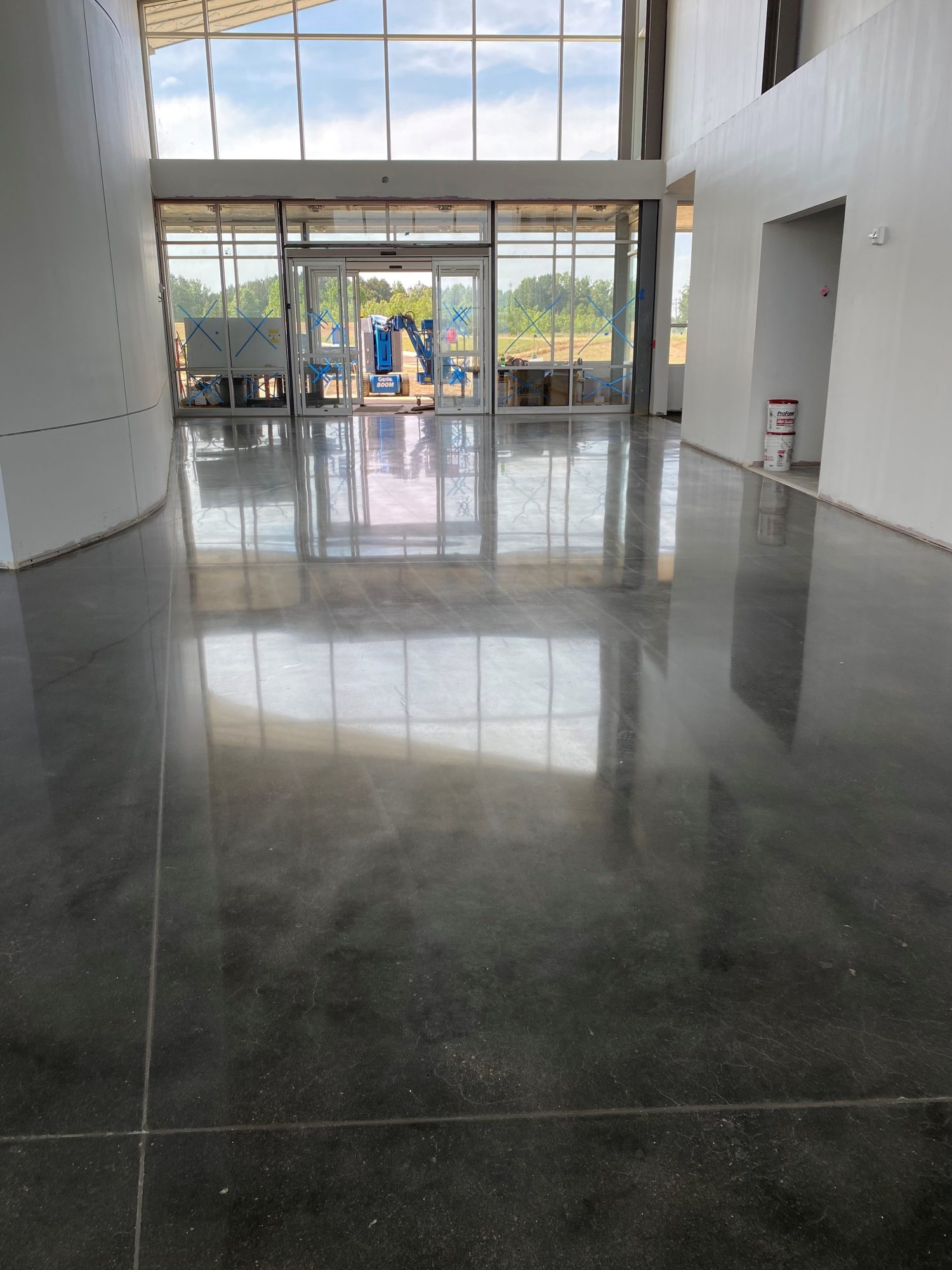 Polished concrete, automotive dealership floors, polish concrete, Industrial Applications Inc., IA30yrs, commercial flooring