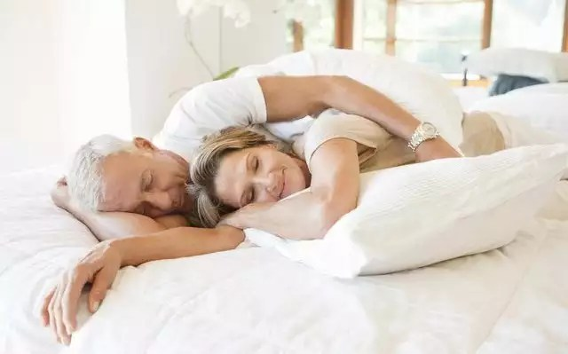 How many hours of sleep associated with more sexual activity