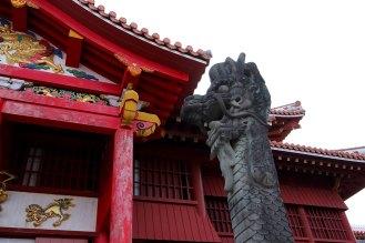 首里城ならではの彫刻・大龍柱