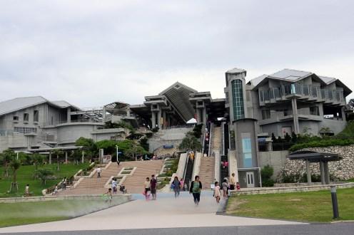 海洋博公園として様々な施設が点在しています
