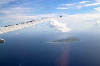 着陸前。南の島が見えてきました。
