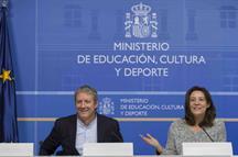 La directora general del INAEM, Montserrat Iglesias, y Daniel Bianco, próximo director del Teatro de la Zarzuela. (Archivo)