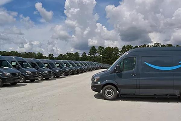 Amazon planeja contratar milhares de motoristas para as entregas sazonais