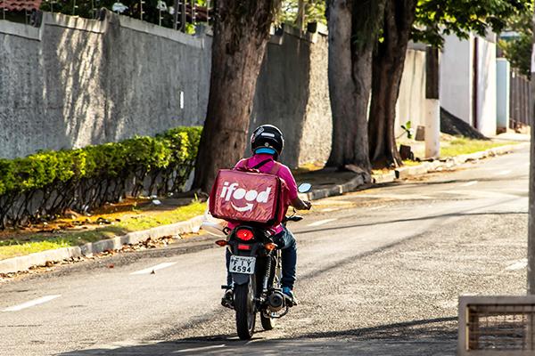 Crise do Coronavírus Impulsiona apps de delivery e muda hábitos de compra dos brasileiros