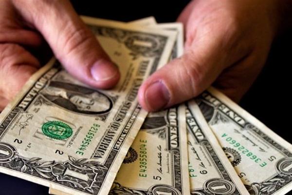 Saiba como alta do dólar pode mexer com seu bolso