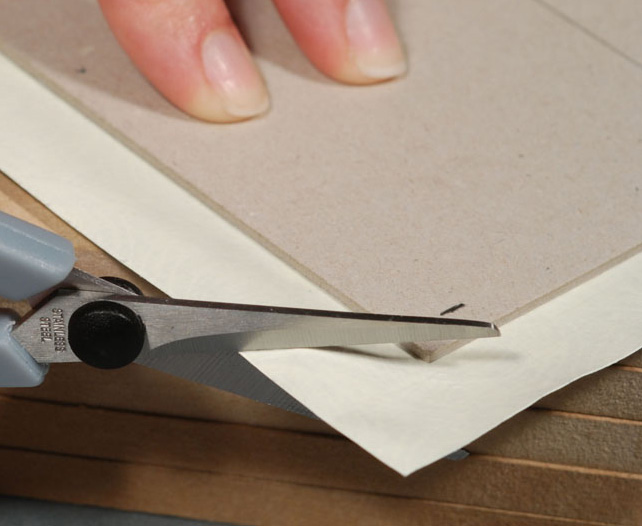 Cutting-Corners-of-Cover-Material---Bookbinding
