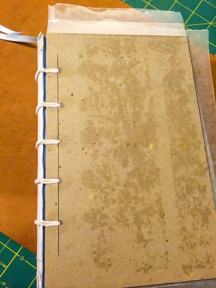 i Bookbinding - Gluing Cords