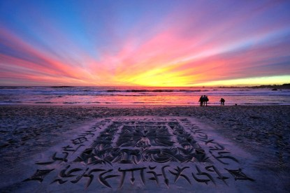 Beach Calligraphy by Andrew van der Merwe: https://www.behance.net/beachscriber