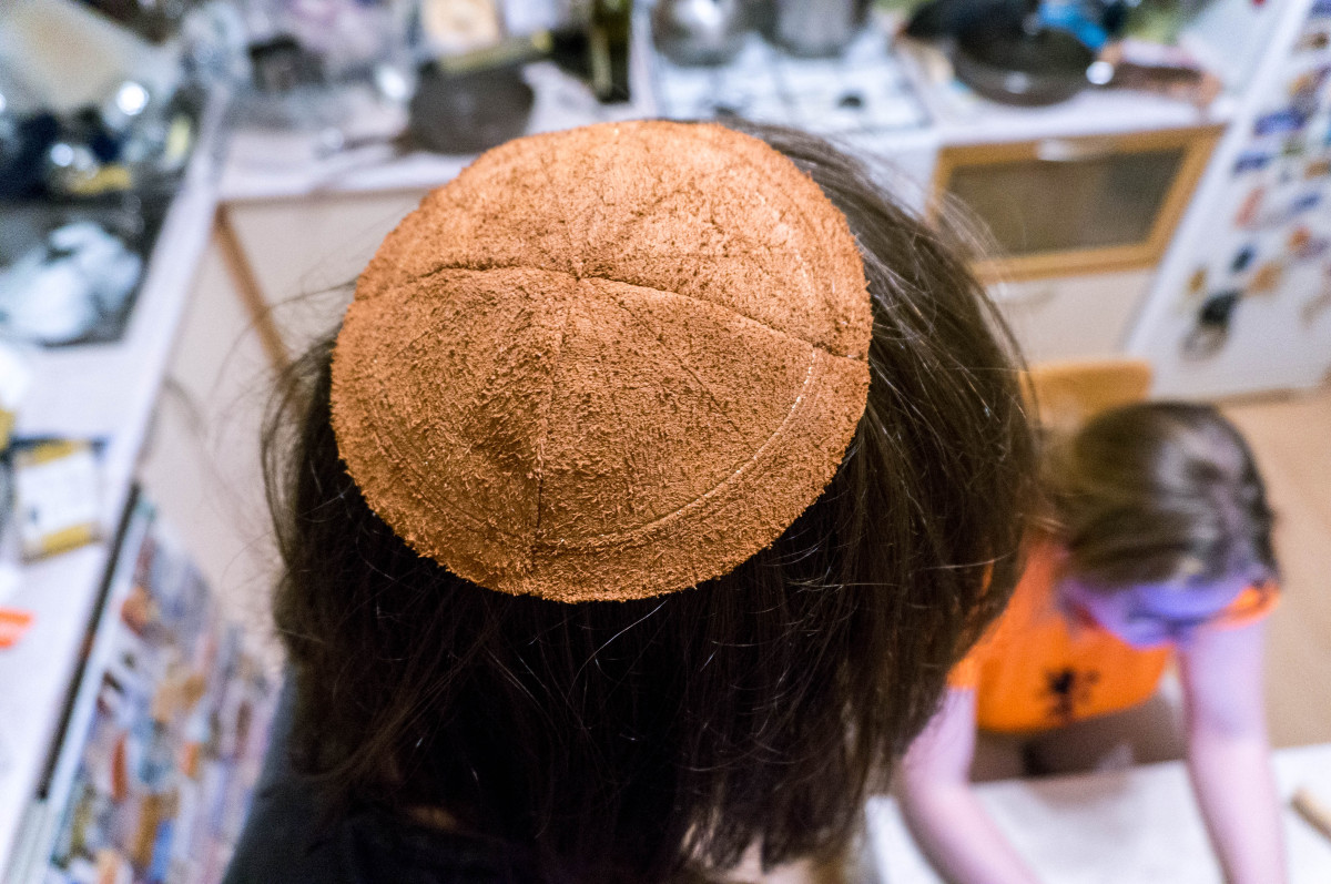 2016.08.19 - 04 - Making Leather Kippot - A Side Job for a Bookbininder