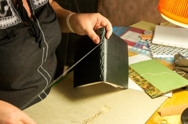 2016-10-16-coptic-bookbinding-franch-stitch-binding-and-langstitch-binding-workshop-25