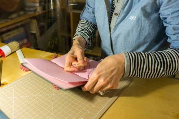 2016-10-16-coptic-bookbinding-franch-stitch-binding-and-langstitch-binding-workshop-33