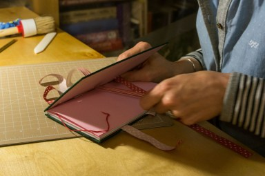 2016-10-16-coptic-bookbinding-franch-stitch-binding-and-langstitch-binding-workshop-38