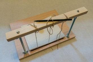 2016-10-20-simple-sewing-frame-for-bookbinding-21