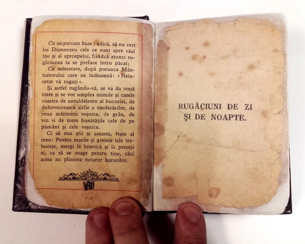 Restoration - Grandmother's Prayer Book 04