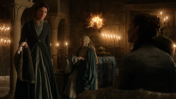 GoT S01E08 00.16.58 - Letter to Eyrie about Ned and Robb Stark in Catelyn's hands