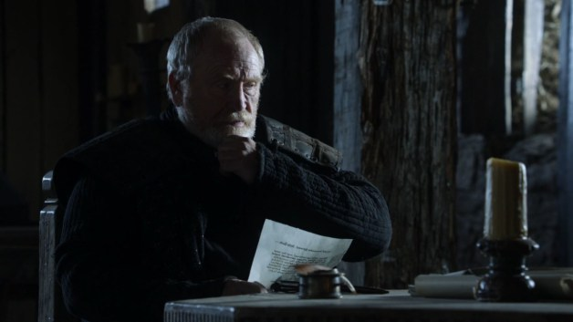 GoT S01E10 00.42.35 - Mormont reading a lettter