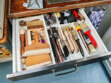 2019.03.08 - Visiting Nautilus Boekbinderij - More Drawers for Stuff in the Sink Cabinet 01