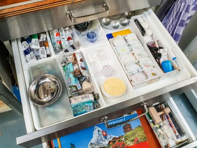 2019.03.08 - Visiting Nautilus Boekbinderij - More Drawers for Stuff in the Sink Cabinet 02