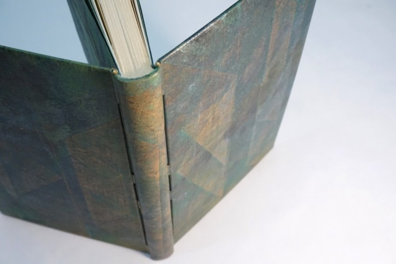 2019.10.07 - Inspiring Bookbinding Projects of September - Rod Binding by Julie Auzillon 01
