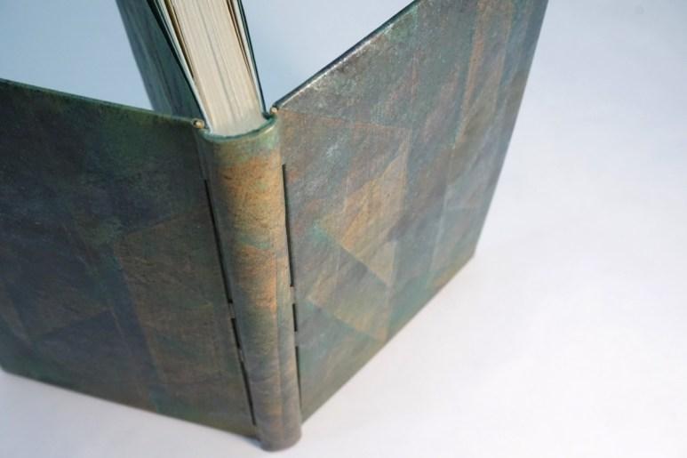2019.10.07 - Inspiring Bookbinding Projects of September - Rod Binding by Julie Auzillon 01